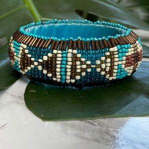 🎉5/20 SALE🎉 VTG turquoise beaded bangle bracelet
